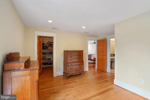 1514 Cedar Ave Mclean VA 22101