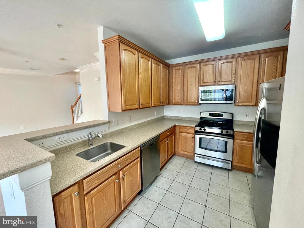 13147 Marcey Creek Rd #13147, Herndon, VA 20171