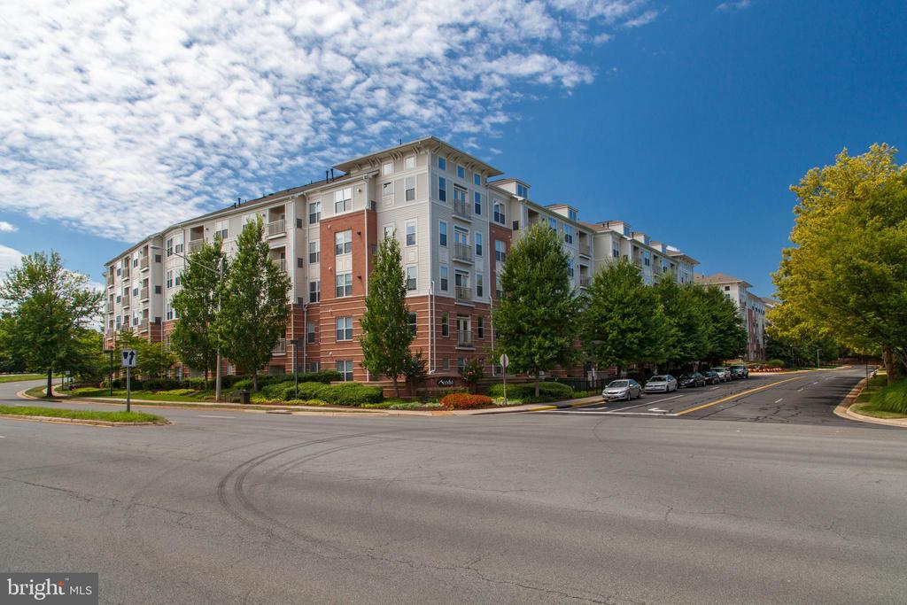 9480 Virginia Center Blvd #410