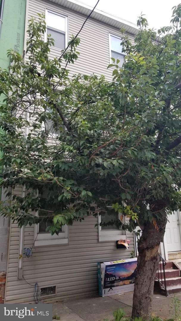 1537 W Stiles Street Philadelphia, PA 19121
