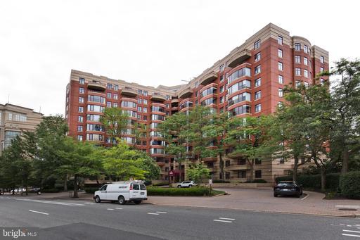 2400 Clarendon Blvd #208, Arlington 22201