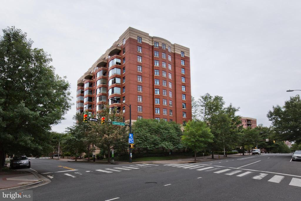 Photo of 2400 Clarendon Blvd #208