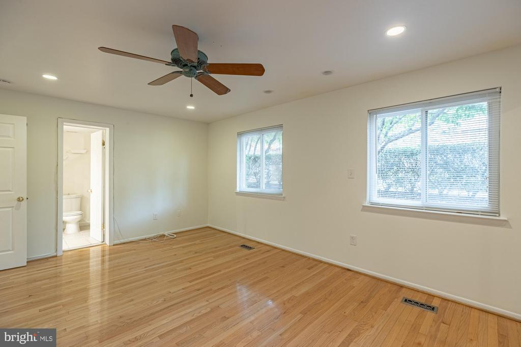 Photo of 1761 S Hayes St #1