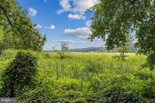 1625 Whistling Swan Way Woodbridge VA 22191