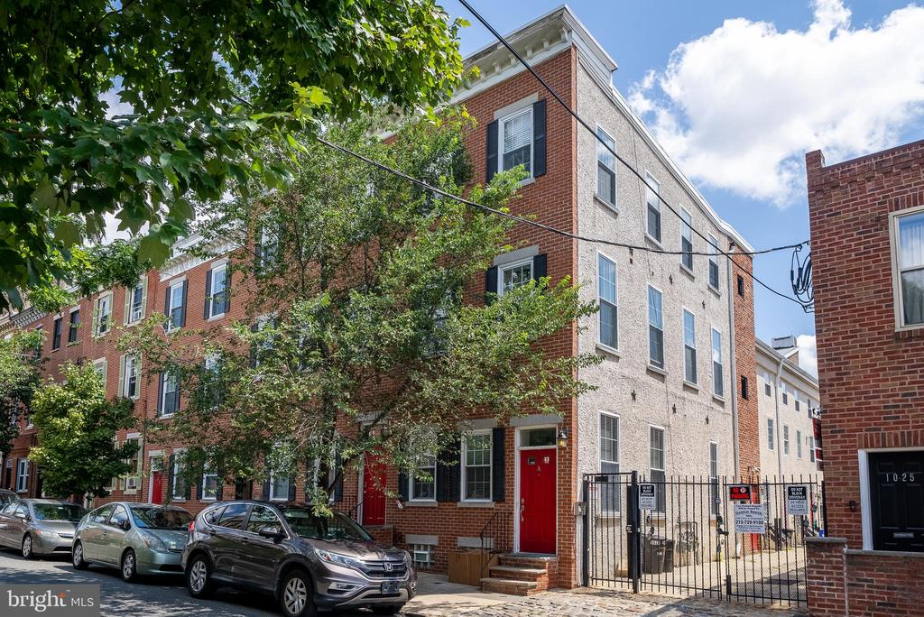 Nestled in Cobblestone Court, this bright and cheery one bedroom, one bathroom condo offers an incredible Northern Liberties location! Cozy yet efficient, Unit C is a move-in ready residence with an unmatchable location.   After spending time outdoors at the Liberty Lands Park, enter into a light-filled main level boasting hardwood floors, sleek baseboard moldings, and oversized windows. Overlooking the dining area, an eat-in kitchen offers stainless steel appliances, rich wood cabinetry, and upgraded countertops. Perfect for relaxing after dining out at Frankford Hall, the generously sized junior bedroom enjoys excellent closet space and a nearby full hall bathroom with a tub shower and modern tile work.  Residents of Cobblestone Court share use of a quaint courtyard, ideal for getting some fresh air or curling up with a good book. Many of Philadelphia's best restaurants and attractions are just steps away, including Urban Village Brewing Company, Orianna Hill Park/Dog Run, La Colombe, Cantina Dos Segundos, Waterfront Square, and more. With ample amenities and a highly coveted address, this one bedroom condominium is one you have to see.