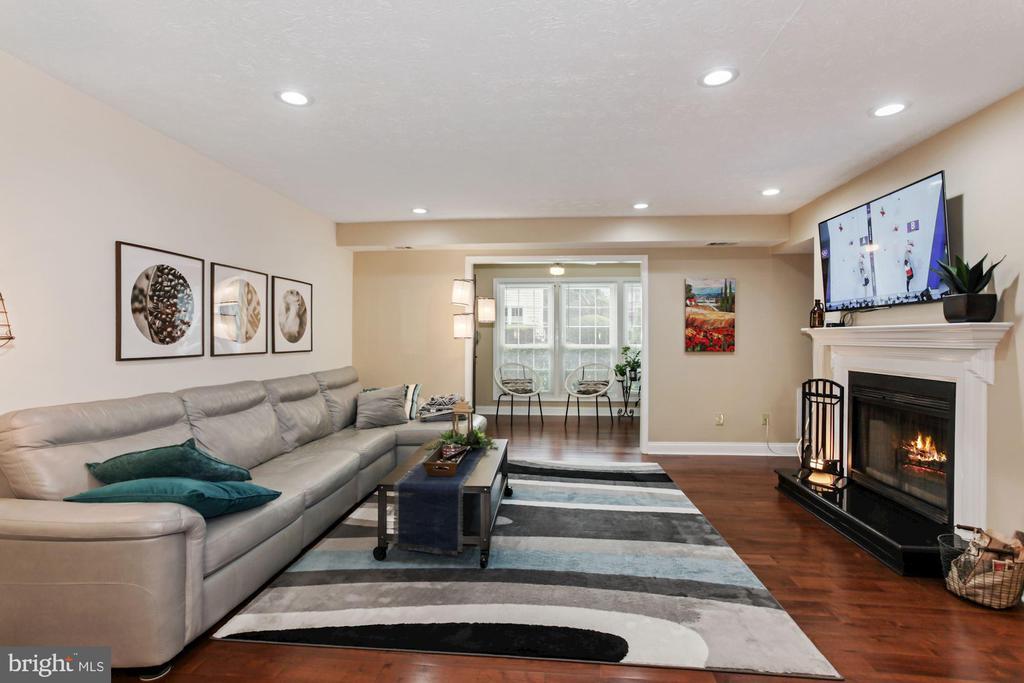 10073 Oakton Terrace Rd #10073, Oakton, VA 22124
