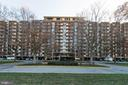 1300 Army Navy Dr #125