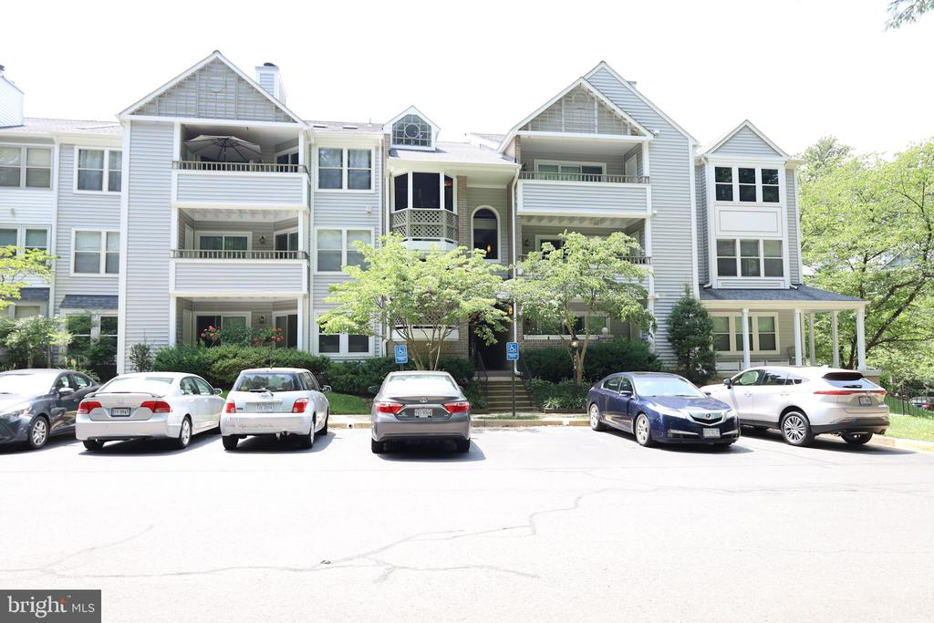 7713 Lafayette Forest Dr #33