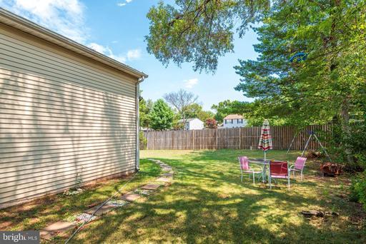 5456 Braddock Ridge Dr Centreville VA 20120