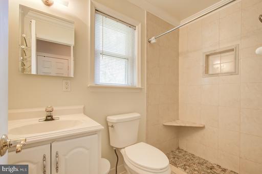 9602 Braddock Rd Fairfax VA 22032