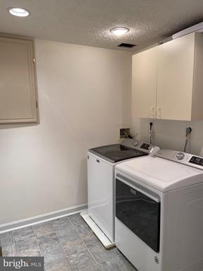 5480 Braddock Ridge Dr Centreville VA 20120