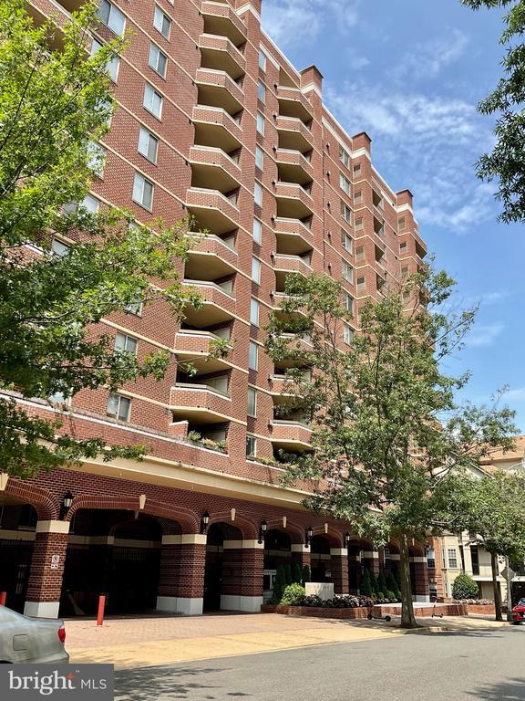 1276 N Wayne St #428, Arlington, VA 22201