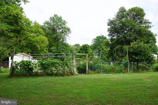 13718 Shreve St Centreville VA 20120