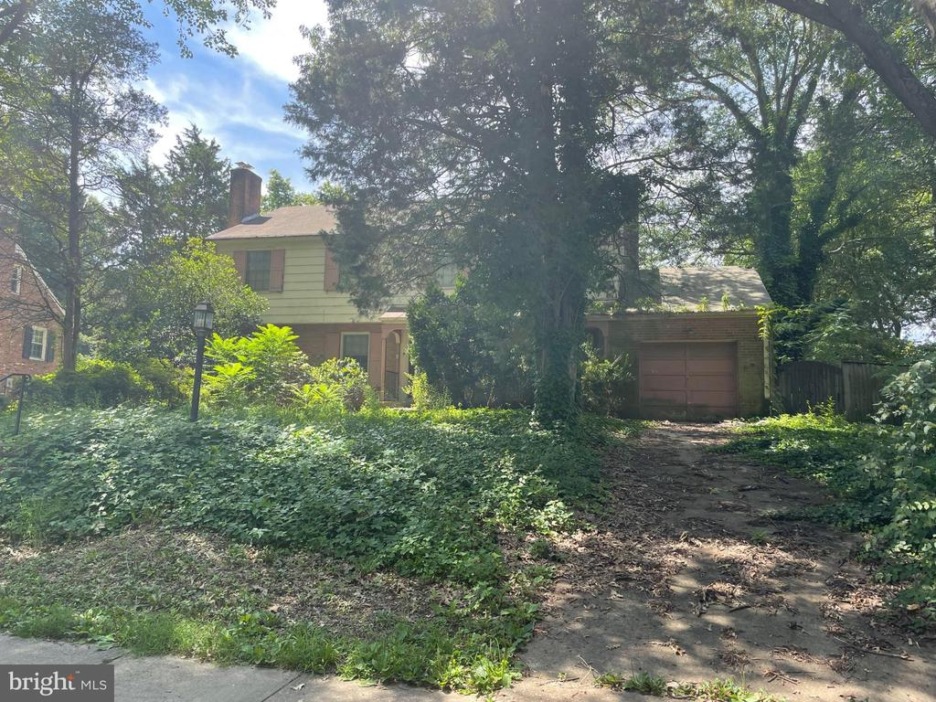Photo of 1009 Emerald Dr