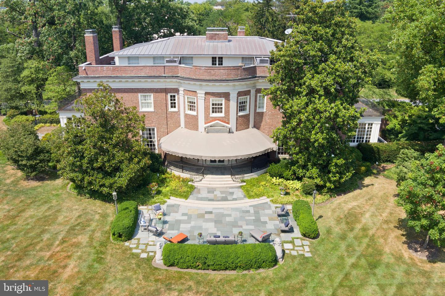 15 Charlcote Place Place   - Baltimore, Maryland 21218