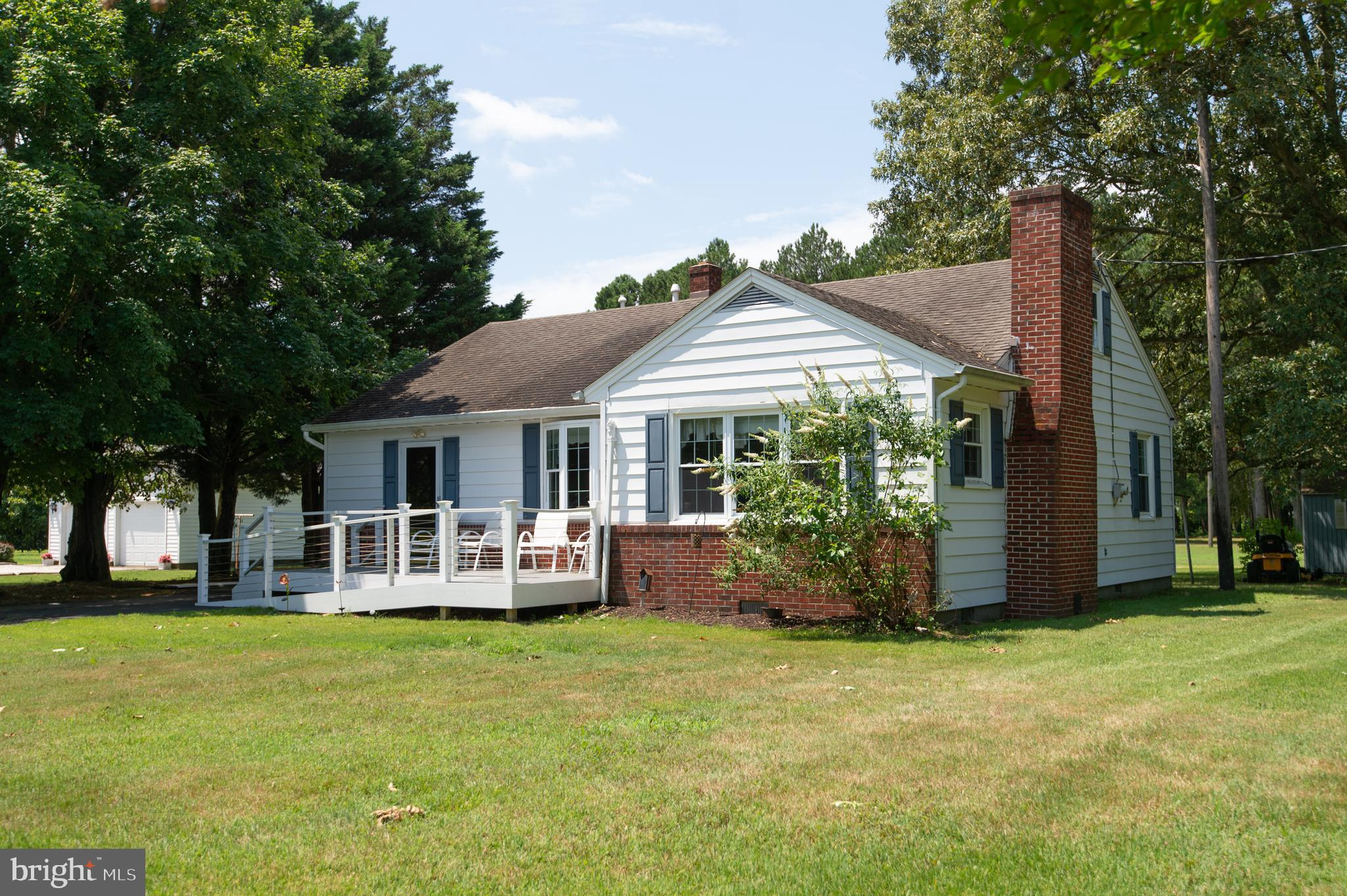Cute cottage on Sunnyside Road!  Recent updates include windows, siding and roof.  Nearly new gas furnace and tankless hot water heater.  Central air.