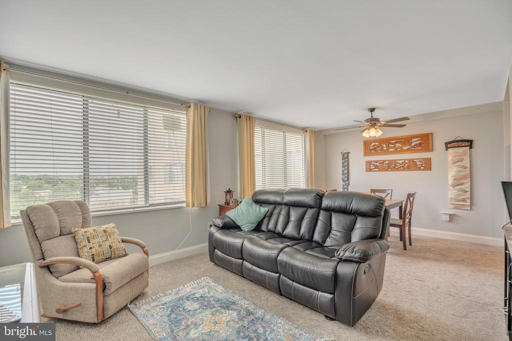 Photo of 6621 Wakefield Dr #706