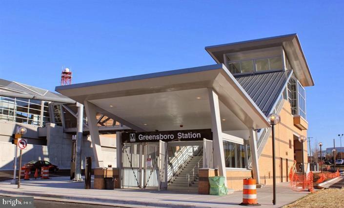 Photo of 8350 Greensboro #424