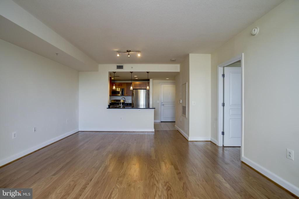 Photo of 2451 Midtown Ave #921