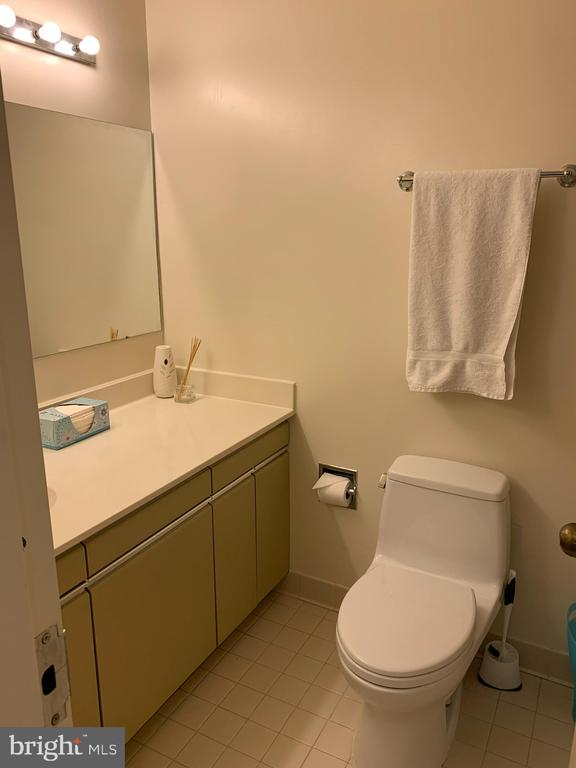 Photo of 1300 Crystal Dr #704s