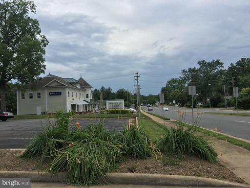 602 S King St #400 Leesburg VA 20175