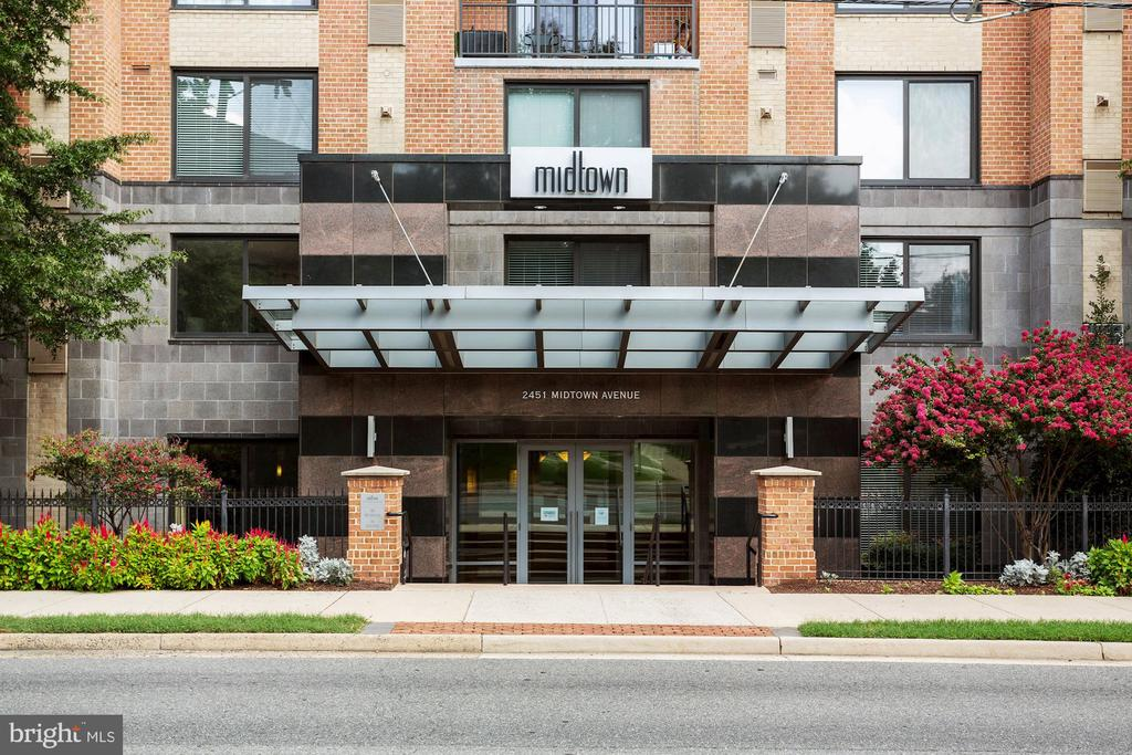 Photo of 2451 Midtown Ave #303