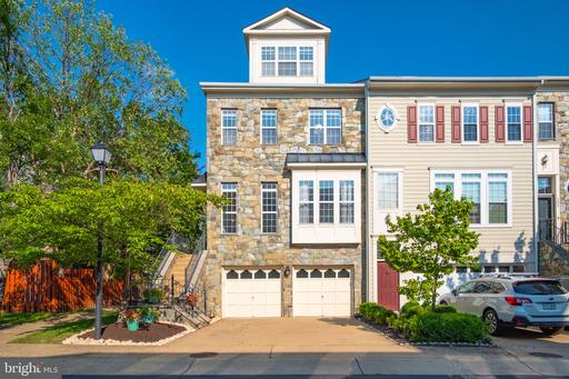 108 Browns Mill Dr, Alexandria 22304