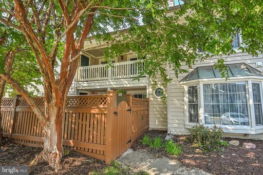 6080 Essex House Sq #6080b, Alexandria, VA 22310