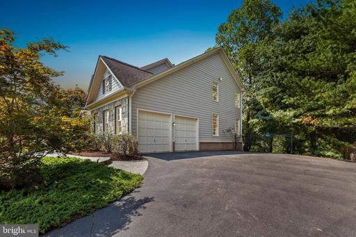 9926 Browns Mill Rd Vienna VA 22182
