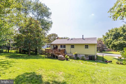 4213 Nutwood Way Fairfax VA 22032