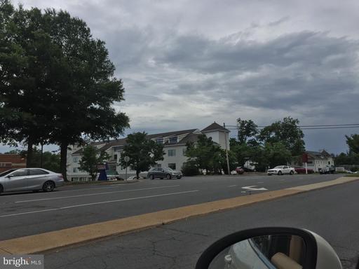 604 S King St #206 Leesburg VA 20175