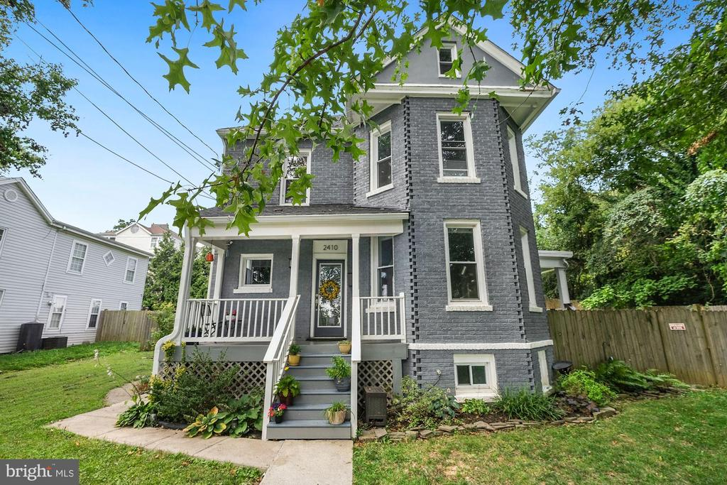 Recent renovation of this lovely detached home with tons of square footage! Open floor plan with Living / Dining / office combo on main level. The upper level has 3 nicely-sized bedrooms and 2 full bathrooms. Another level up boasts a great room with skylights and a plethora of storage areas. The large finished basement with separate entrance has a bedroom and 2 large living areas, along with another full bath. TONS of outdoor space that includes a covered porch and also a large deck. 1.2 miles to Rhode Island - Brentwood metro or 1.7 miles to the Brookland - Catholic University Metro.   Sellers have plans to give to new buyer for landscaping and pool possibility worth 8K. Plans changed and they have to move. Major redevelopment close by (Brookland Manor). Short walk to Langdon Park and Rhode Island Main Street. Ivy City close-by (1.2 miles) for restaurants, breweries and star restaurants. Finished lower level with separate entrance. Fence-line encroachments from the 1980's untouched.