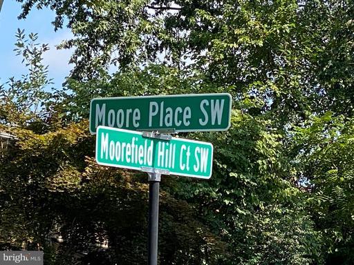 1137 Moorefield Hill Ct Sw Vienna VA 22180