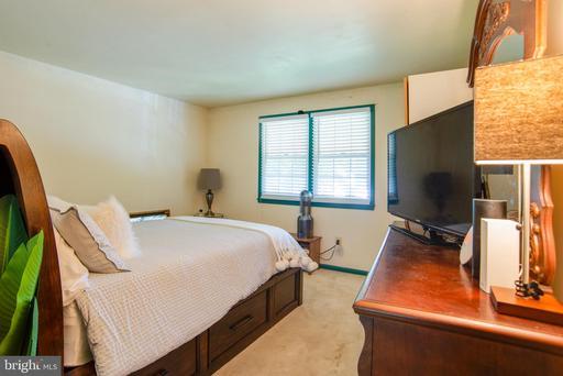 4802 Tapestry Dr Fairfax VA 22032
