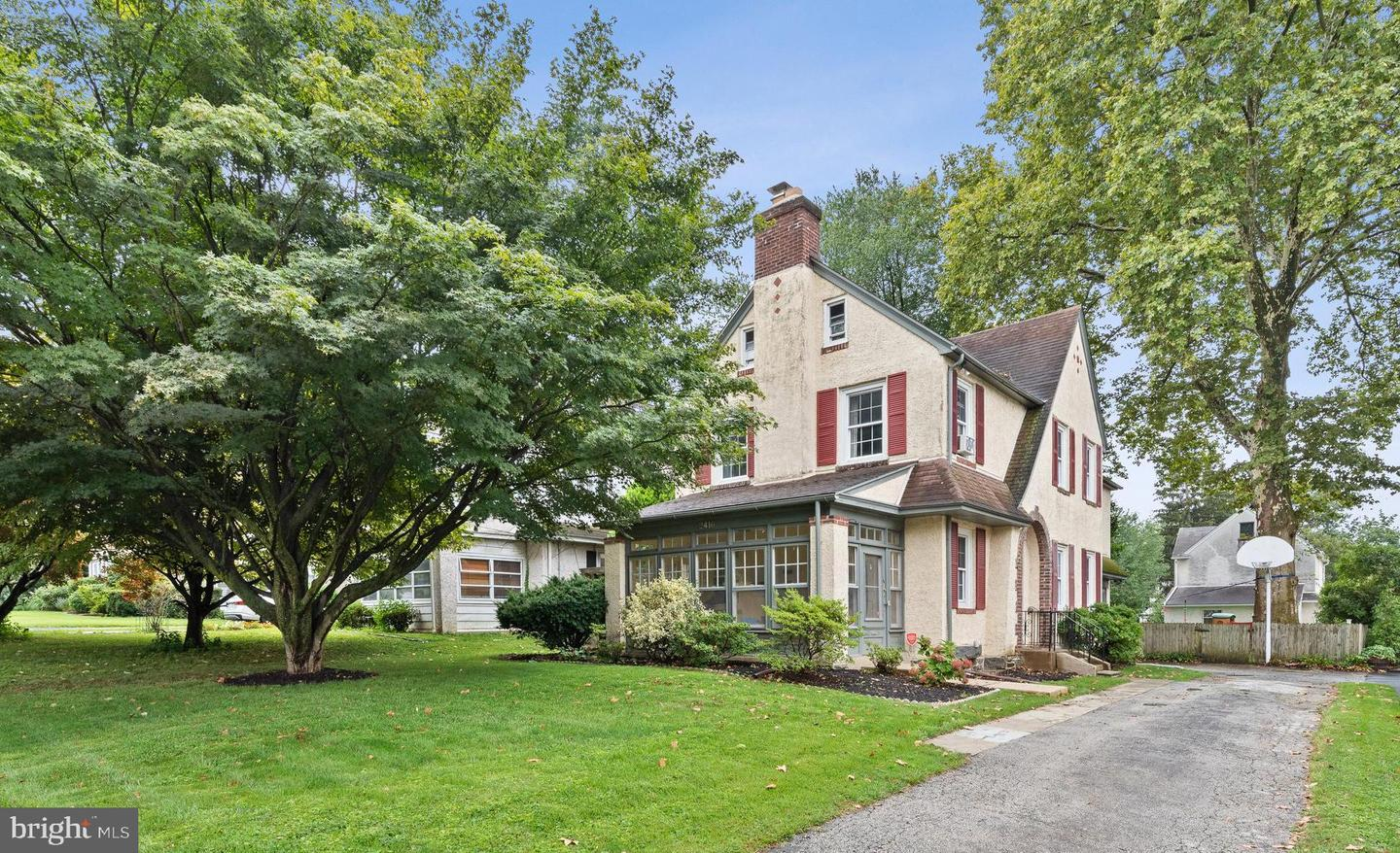 2416 Whitby Road Havertown, PA 19083
