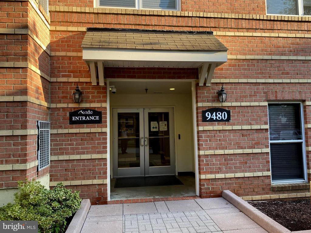 9480 Virginia Center Blvd #202, Vienna, VA 22181