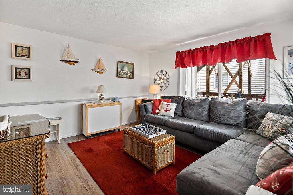 20 Amber Street E6, Beach Haven, NJ 08008
