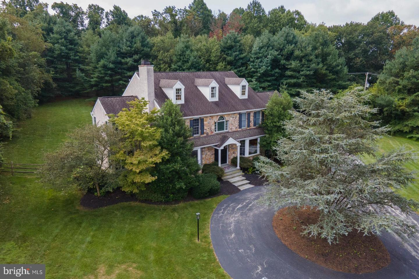 17 Canter Drive Newtown Square, PA 19073