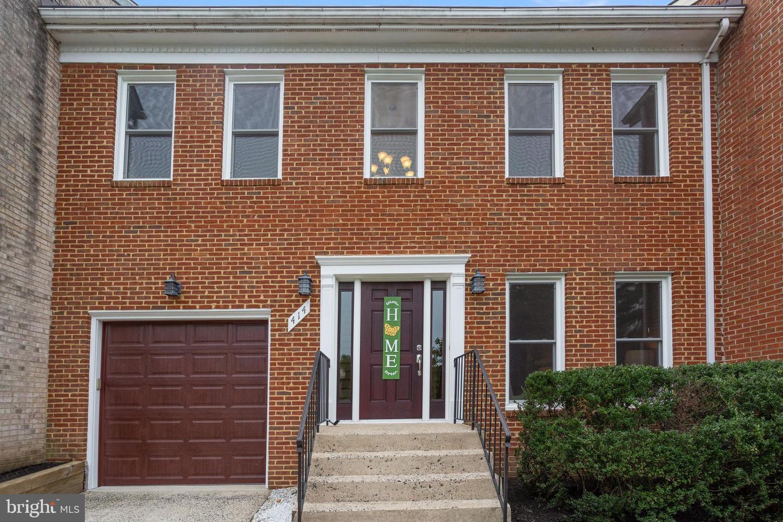 414 Millwood Court SW  - Vienna, Virginia 22180