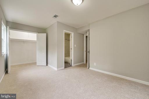 14881 Lambeth Sq Centreville VA 20120