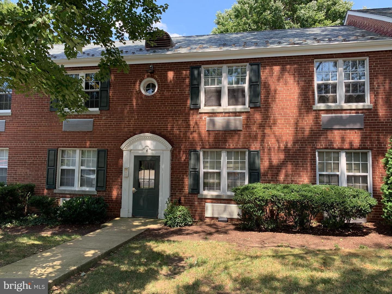 4 Ashby Street  #B - Alexandria, Virginia 22305