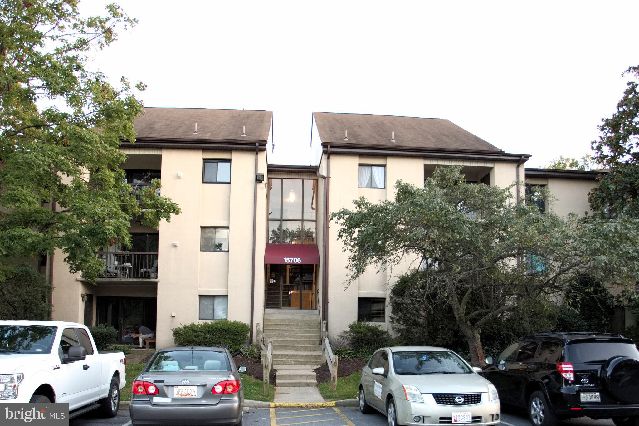 Large condo with 2nd floor loft. to include 1409 sq ft of living space plus a balcony.    Primary bedroom has primary bath and 2 walk in closets; Unit is on third floor.  New A/C, New Stainless Appliances, New Washer/Dryer, Fresh paint and ready to move in.  Community has a pool, clubhouse and there is a county park close by.   Close to 95 beltway