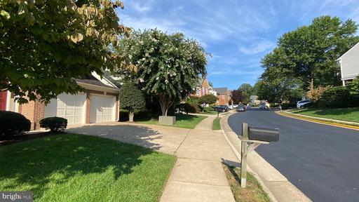 3756 Center Way Fairfax VA 22033