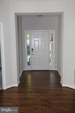 5717 Flagler Dr Centreville VA 20120
