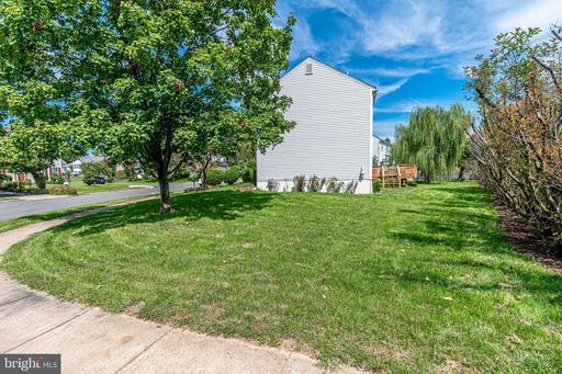 5603 Birchleaf Park Ct Centreville VA 20120