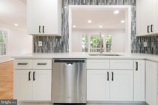 1649 Stowe Rd Reston VA 20194