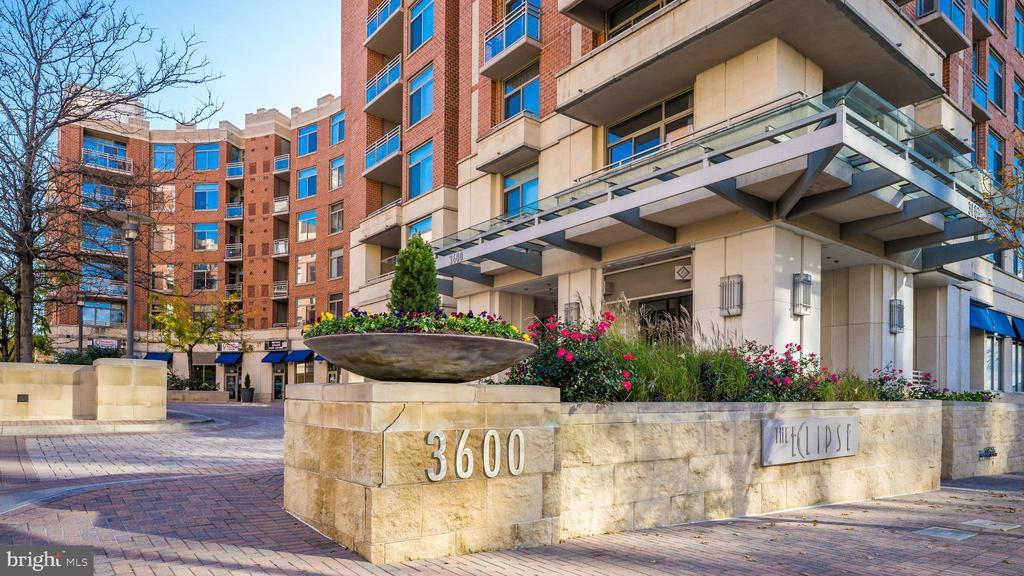 3600 S Glebe Rd #327w