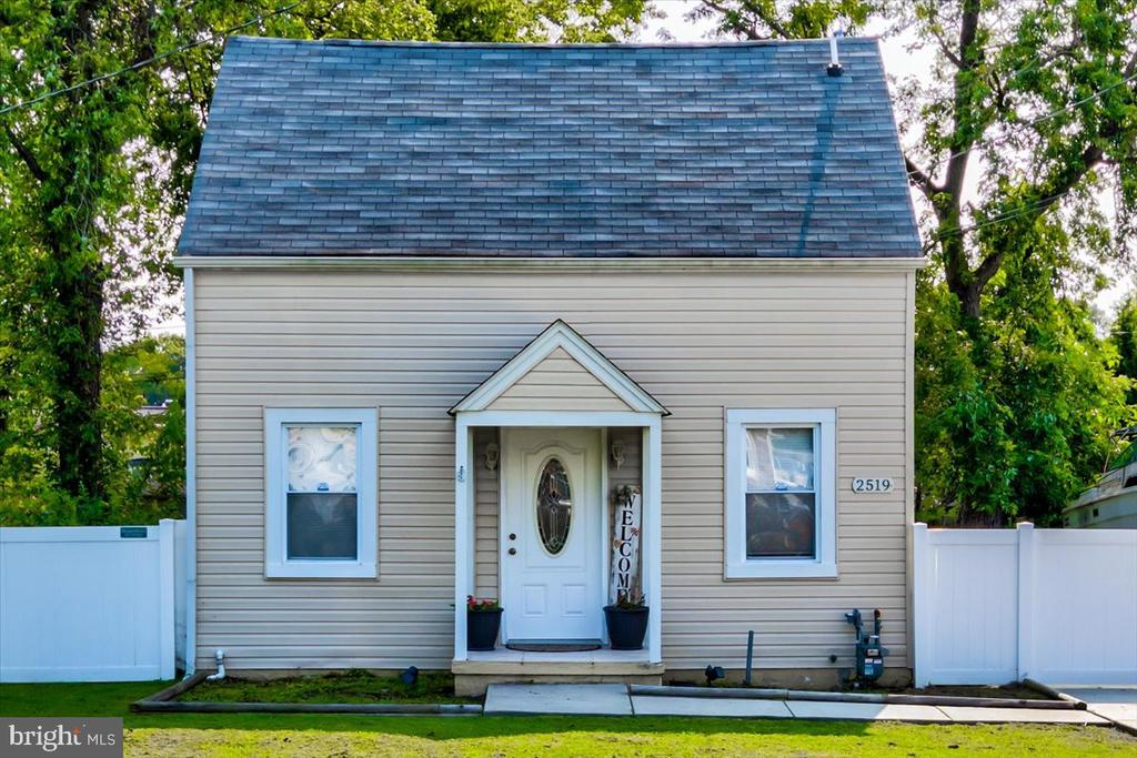 """Priced to sell quick!! Just blocks from the WATER! Beautiful 3 bedroom colonial, 2 and 1/2 bathrooms. Tons and Tons of upgrades; Granite counters, 42""""cabinets, stainless steal appliances, hardwood floors, laundry on the main level. Master Bedroom with walk-in closet and ceramic tile bathroom. Huge fenced backyard with deck great for entertaining.  WATERPROOF BASEMENT with LIFETIME Warranty!! Sentrilock front day, go show.."""