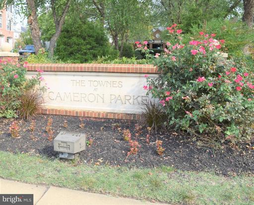 102 Cameron Parke Ct Alexandria VA 22304