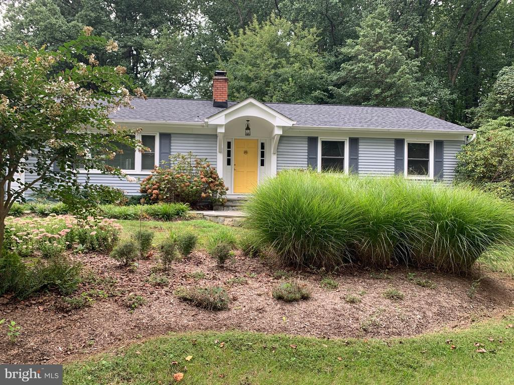 Stunning rancher sited on 1.5 acres in the sought after water privileged community of  Glen Oban on the Severn River! Enjoy one level living with a  main floor primary suite and 2nd bedroom and full bath.  Newer renovated kitchen and baths.  Open floor plan with lovely sun room overlooking rear patio with retractable awning.  Lower level family room and 3rd bedroom and bath or could be in-law/au pair area complete, galley kitchen and outside entrance. Delightful large private screened overlooking private wooded lot.  Attractive front portico & walkway added in 2019.